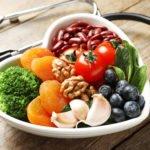 Bluthochdruck senken: Hausmittel und Sofortmaßnahmen ohne Medikamente
